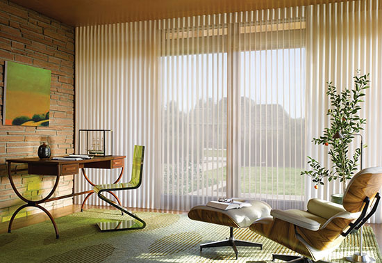 A cortina NOBLESSE é produzida com tecido de alta tecnologia, agregando sofisticação e requinte ao visual da cortina tradicional, unidos à praticidade e modernidade de uma persiana. Seu acabamento é impecável, visual moderno, combinando translúcido e opaco.
